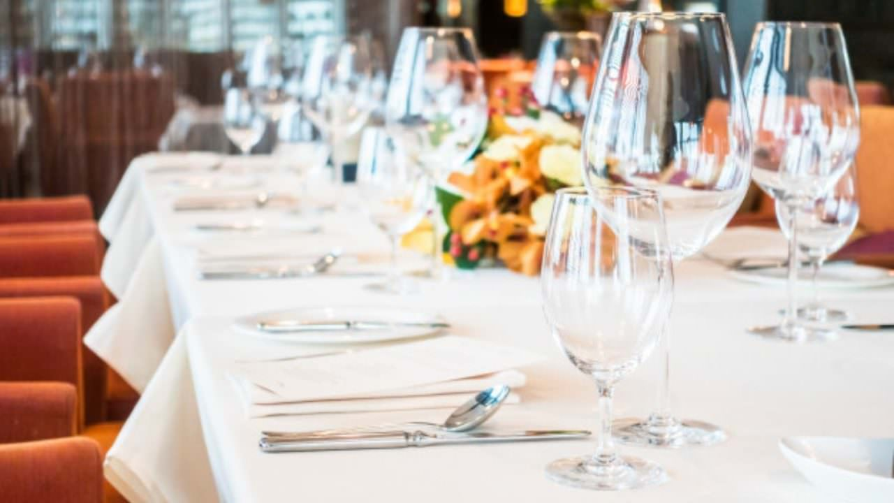 The best 5 tips to sell tablecloth fabrics